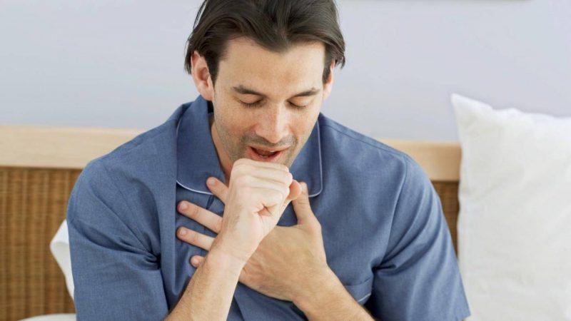 Симптомы пневмонии у взрослых: первые признаки воспаления легких, методы диагностики, виды пневмонии, возможные осложнения
