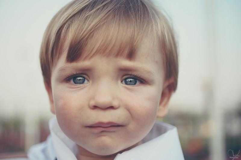 82563227-child-portret