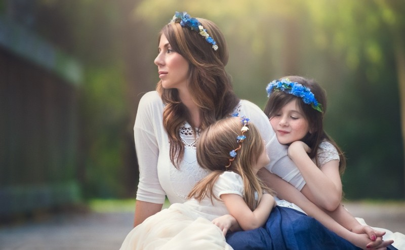 Beautiful-babies-with-mother