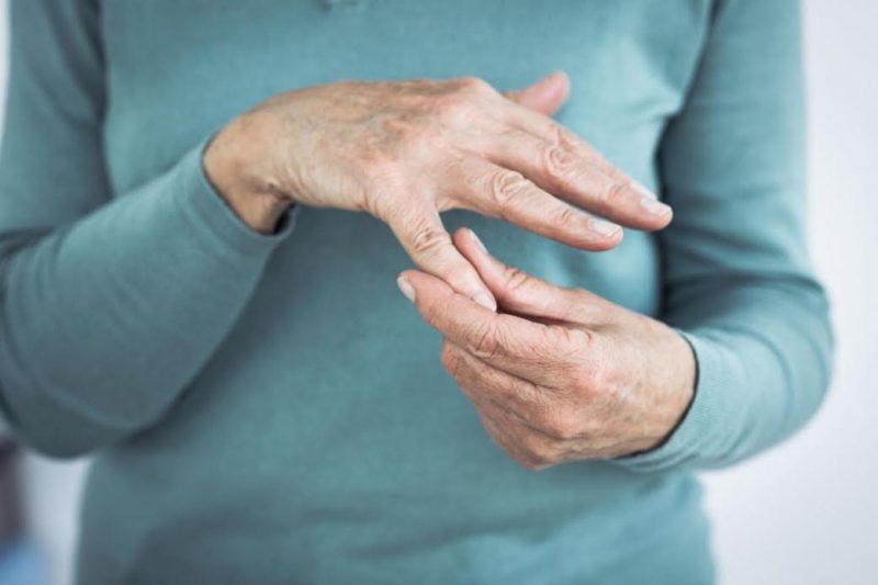 Как лечить подагру: симптомы болезни, народные средства и медикаментозное лечение, к какому врачу обращаться