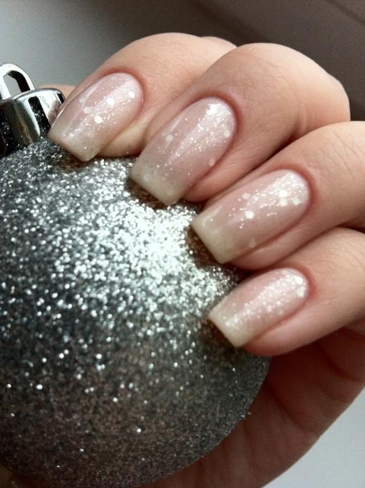 Френч с блестками 💅: красивый дизайн ногтей, новинки, фото