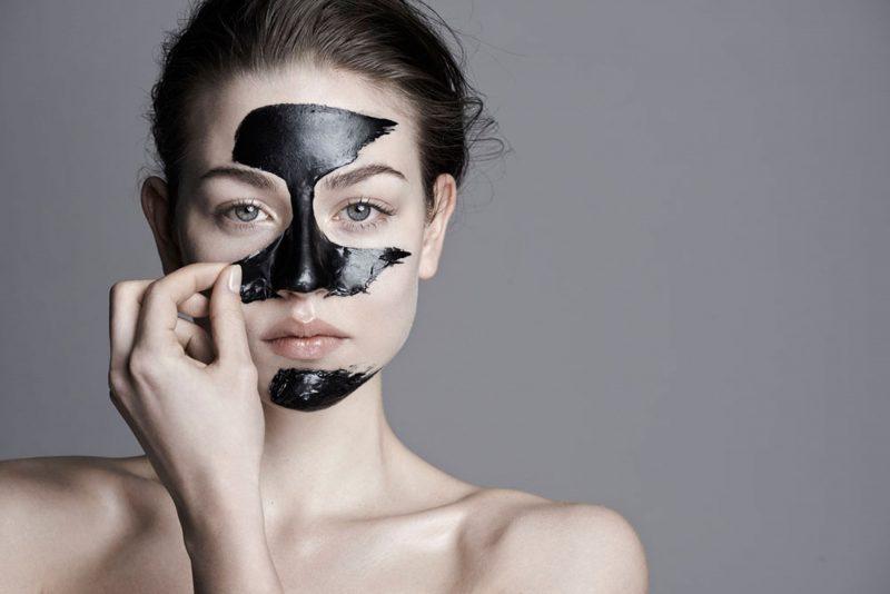 Черная маска от черных точек — 7 рецептов в домашних условиях
