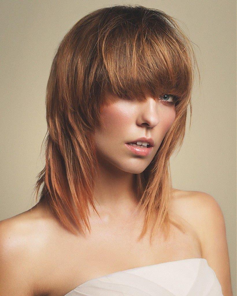 Лесенка на средние волосы – 5 вариантов стрижки с челкой и без, фото