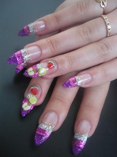 Дизайн ногтей с блестками: 7 идей красивого маникюра с разными блестками, новинки, фото