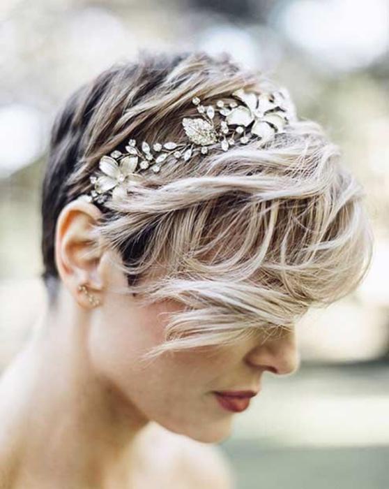 Прически на последний звонок — 12 красивых вариантов на длинные, средние и короткие волосы, фото