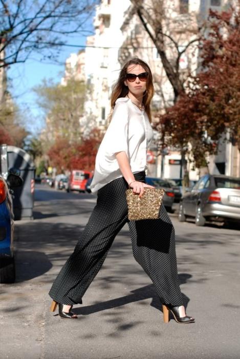 Брюки палаццо 👖: что это такое, с чем носить, кому идут, модные образы с фото