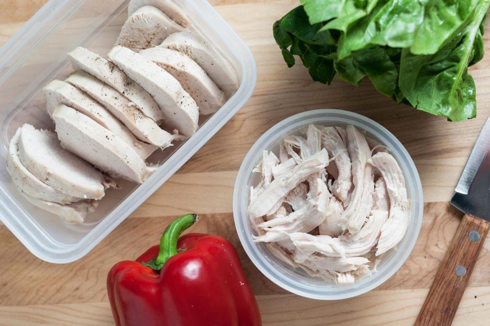 Сколько калорий в вареной курице, пищевая ценность, БЖУ диетического мяса
