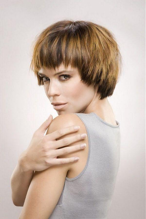 Прическа лесенка – 9 вариантов стрижки на длинные, средние и короткие волосы с челкой и без, фото