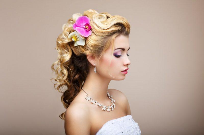 Свадебные прически на длинные волосы: 15 вариантов красивых причесок и укладок для невесты с фото