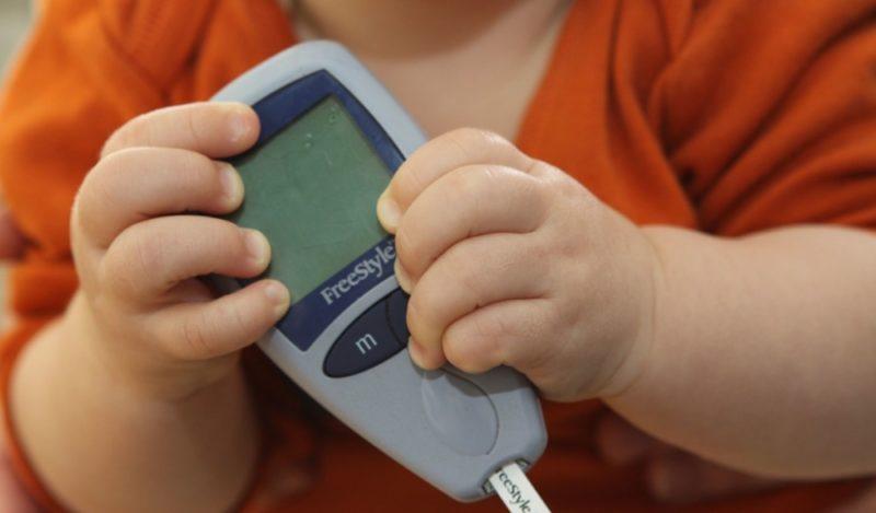 Сахарный диабет у детей: признаки и симптомы, причины 1 и 2 типа диабета, осложнения, лечение и профилактика эндокринного заболевания