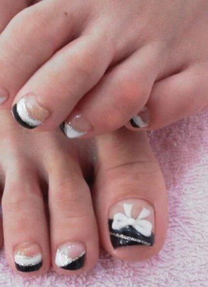 Педикюр френч — 10 идей модного и красивого дизайна ногтей, фото
