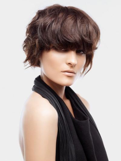 Стрижки на волосы средней длины: виды стрижек, способы укладки, фото