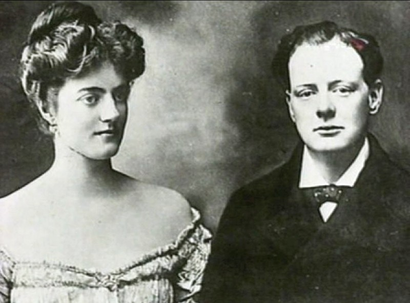 Churchill_with_his_wife