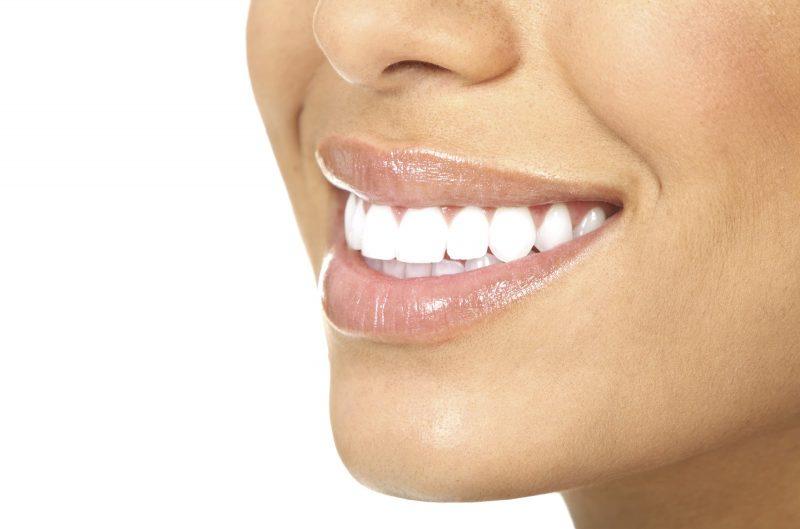 Полоски для отбеливания зубов: виды и типы