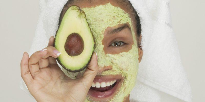 Масло авокадо для лица: полезные свойства и применение