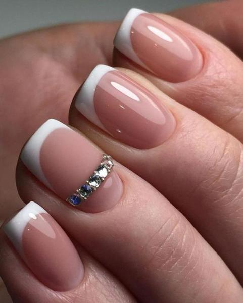 Нежный дизайн ногтей: фото, новинки, идеи шикарного неброского маникюра