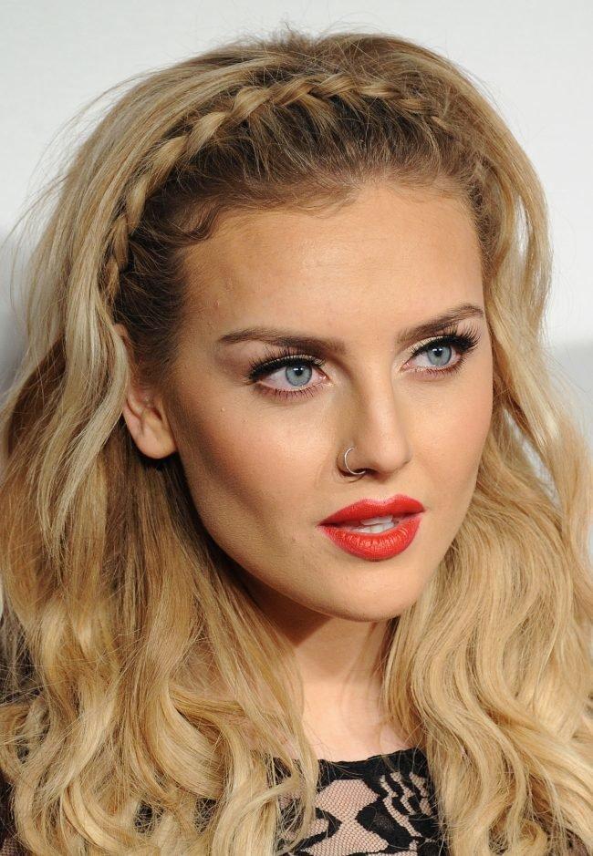 Прически с распущенными волосами — 12 вариантов женских причесок на длинные и средней длины волосы с фото
