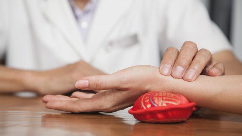 Подагра: признаки и симптомы болезни, лечение и профилактика, диета при подагре
