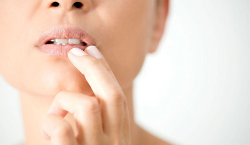 Мазь от стоматита для взрослых и детей: эффективные препараты для лечения, инструкция по применению