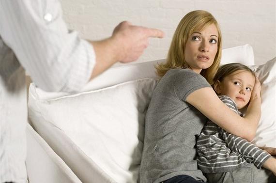 Незримый бой: насилие в семье
