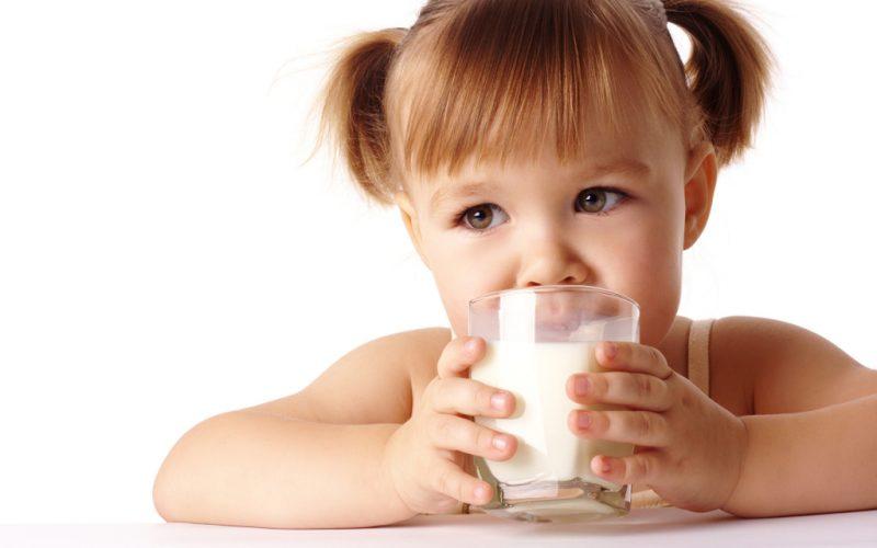 Молоко с чесноком: от чего помогает, польза и вред
