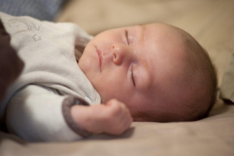 Белый шум для новорожденных: польза и вред, как включать ребенку белый шум для крепкого сна и от коликов