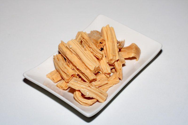 Соевая спаржа: что это такое, калорийность, польза и вред фучжу