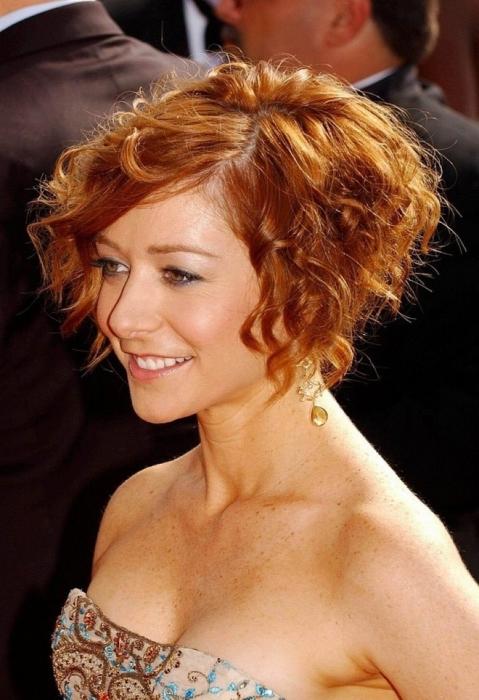 Стрижки на волнистые волосы — 15 вариантов на короткие, длинные и средней длины волосы