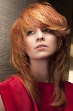 Каскад на средние волосы с челкой — 7 вариантов красивых и модных стрижек с фото