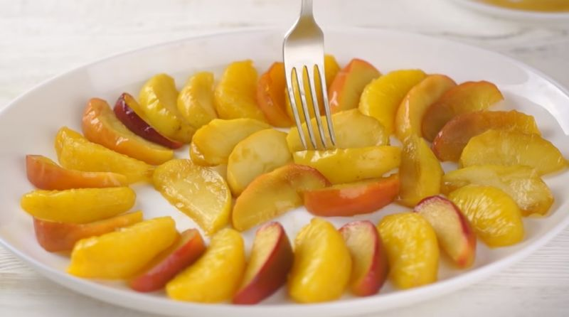 фрукты в карамели